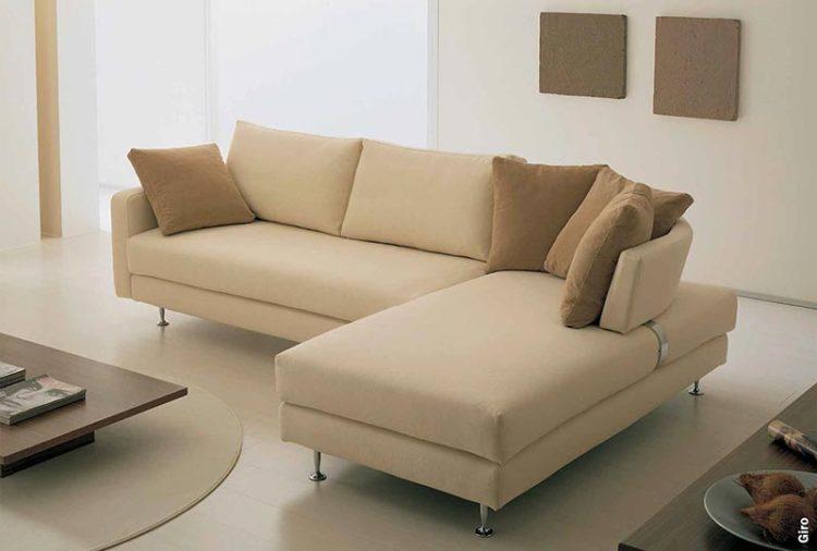 Il divano su misura eccellenze di marca - Facciamo saltare i bulloni a questo divano ...